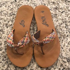 Mallory Reef size 8 rainbow thong flip flop